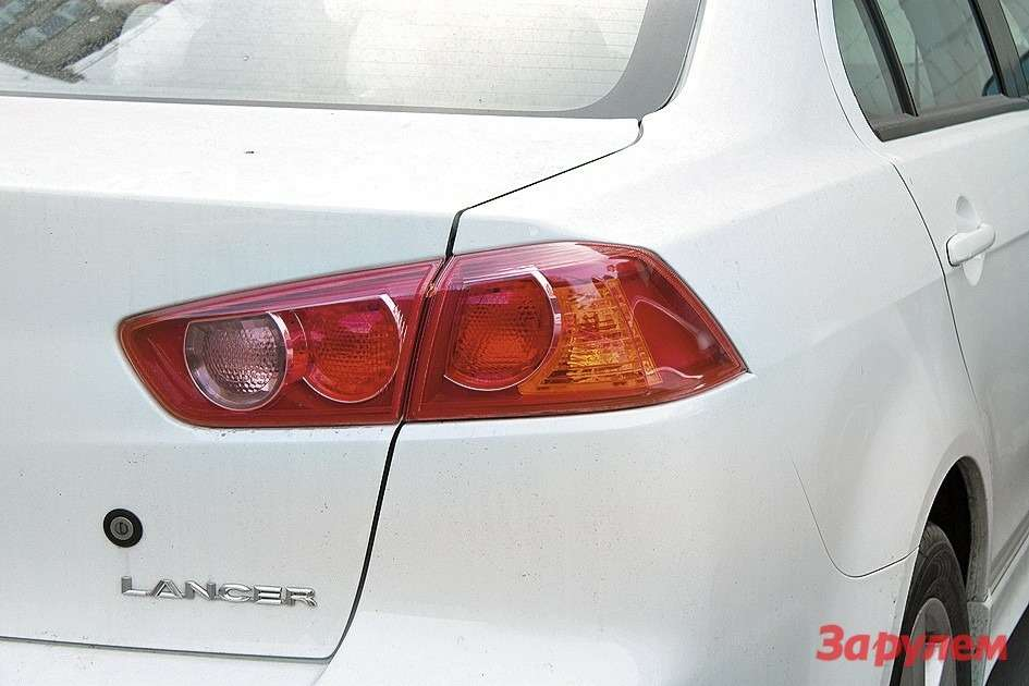 Mitsubishi Lancer Xдорестайлинга