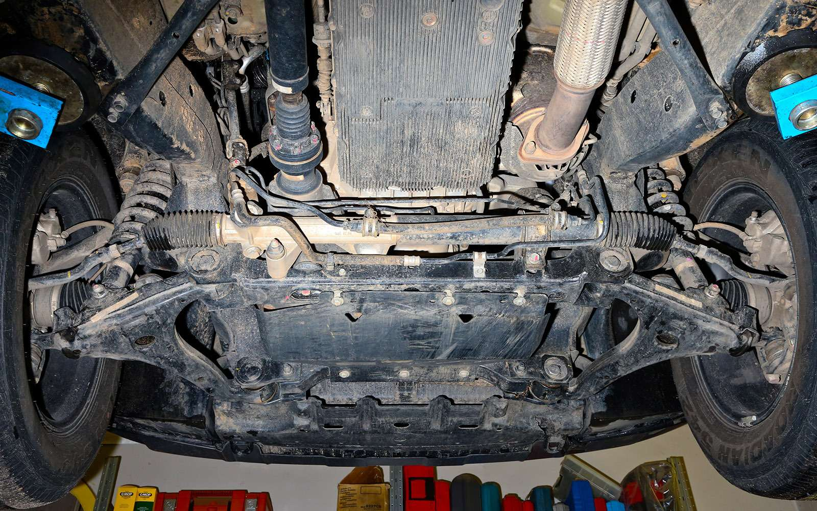 Mitsubishi Pajero Sport иKia Mohave— сравнительный тест настоящих внедорожников— фото 769867