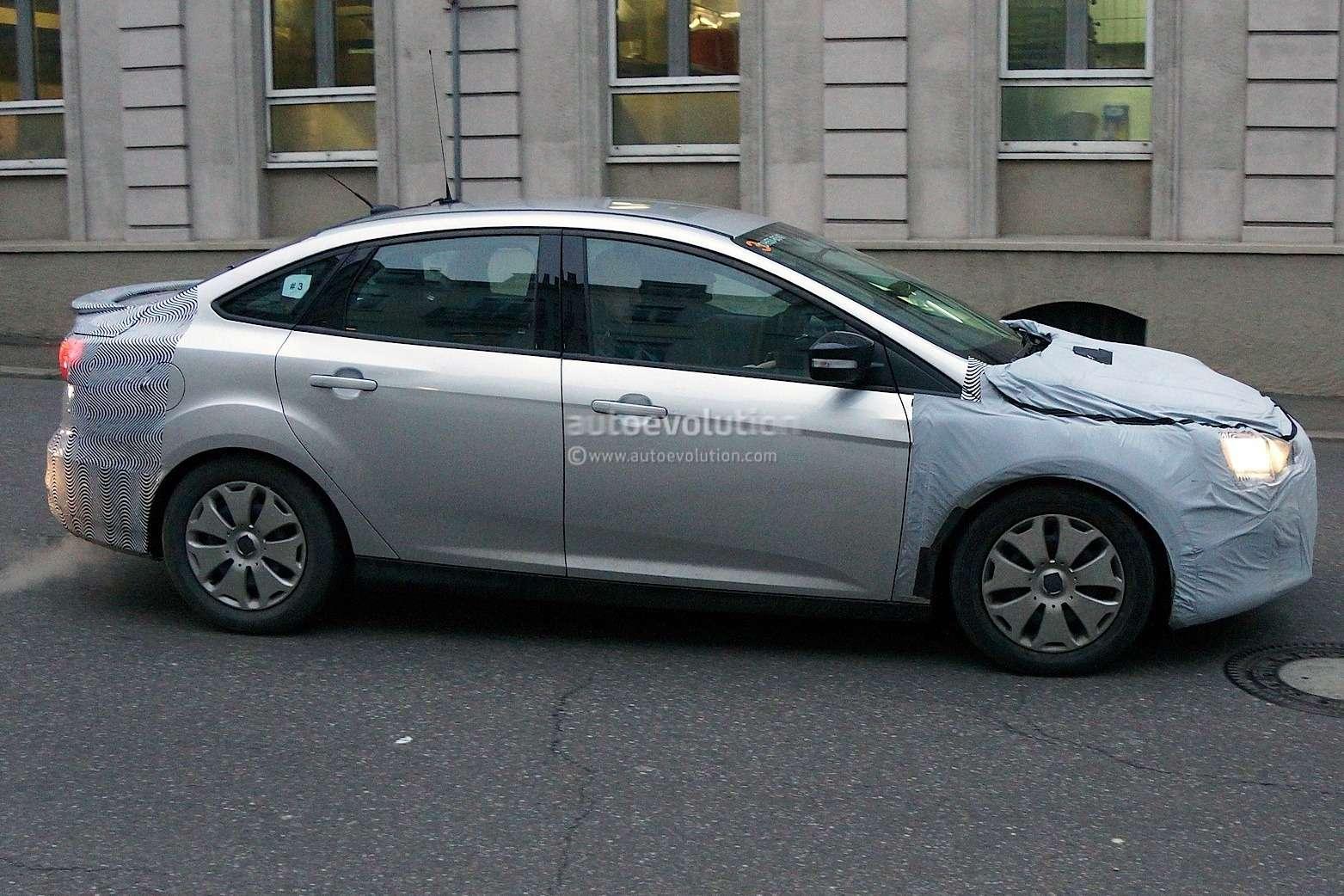 spyshots-2015-ford-focus-hatchback-sedan-and-estate-1080p-9_no_copyright