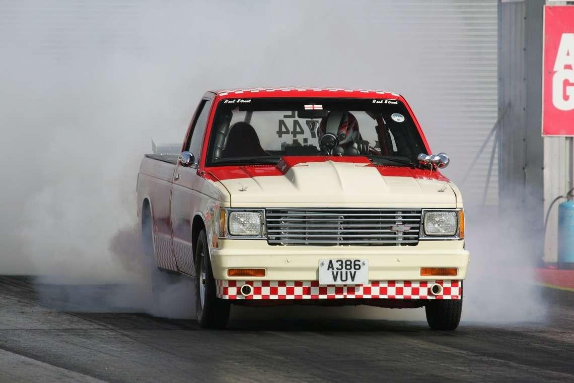 Досотни за2секунды: сумасшедший пикап Chevrolet впоисках нового владельца— фото 719728