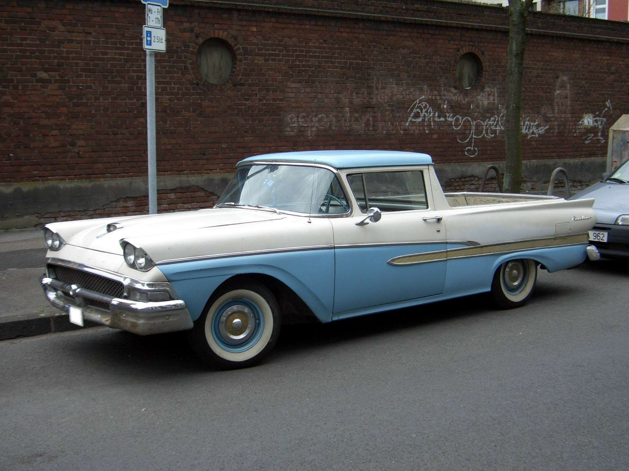 no_copyright_Ford_Ranchero_1958_frontleft_2006-04-08_U