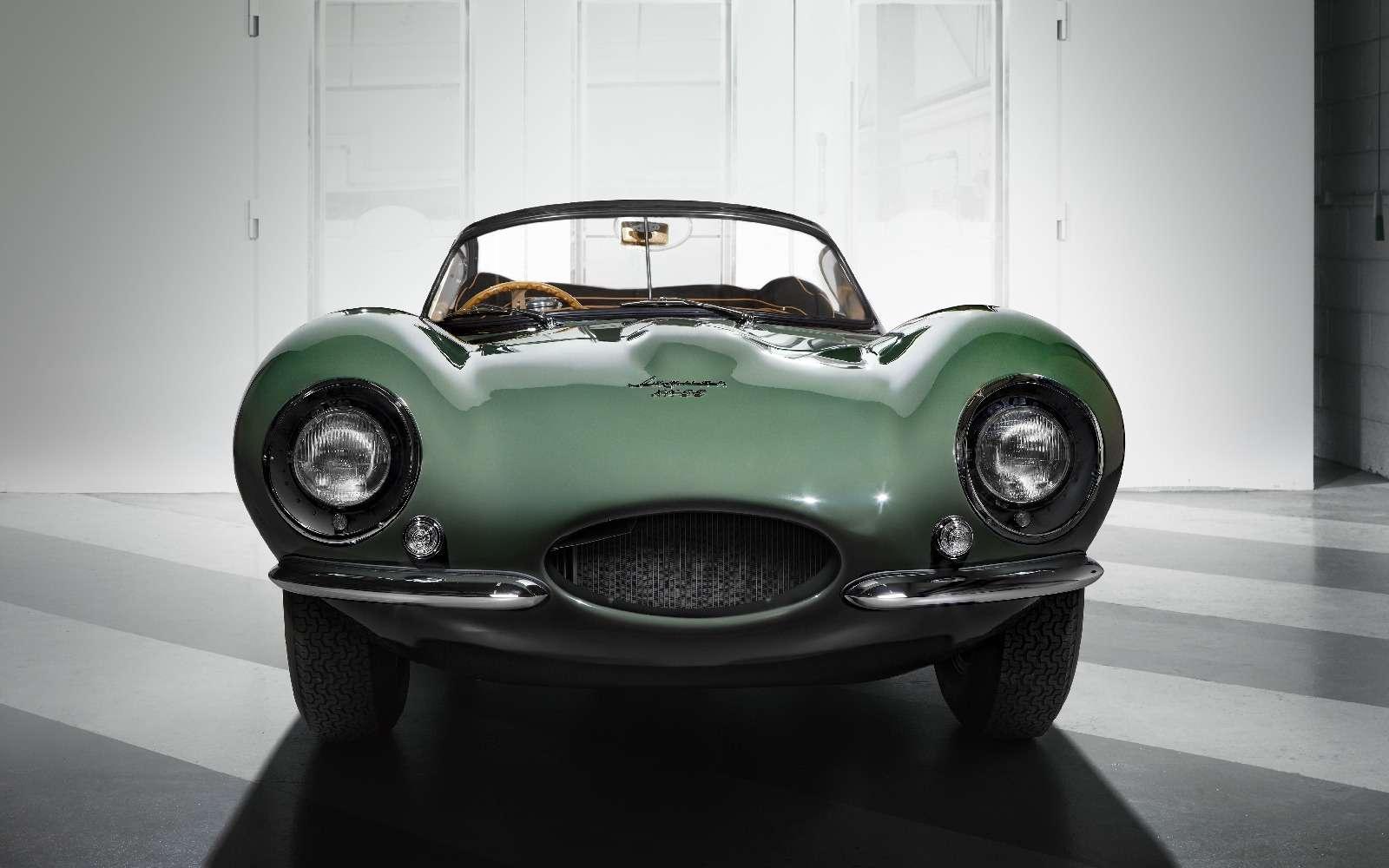 Jaguar вернулся квыпуску карбюраторных автомобилей— фото 665291
