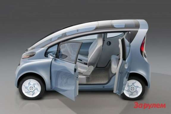 Tata eMO EV concept side view