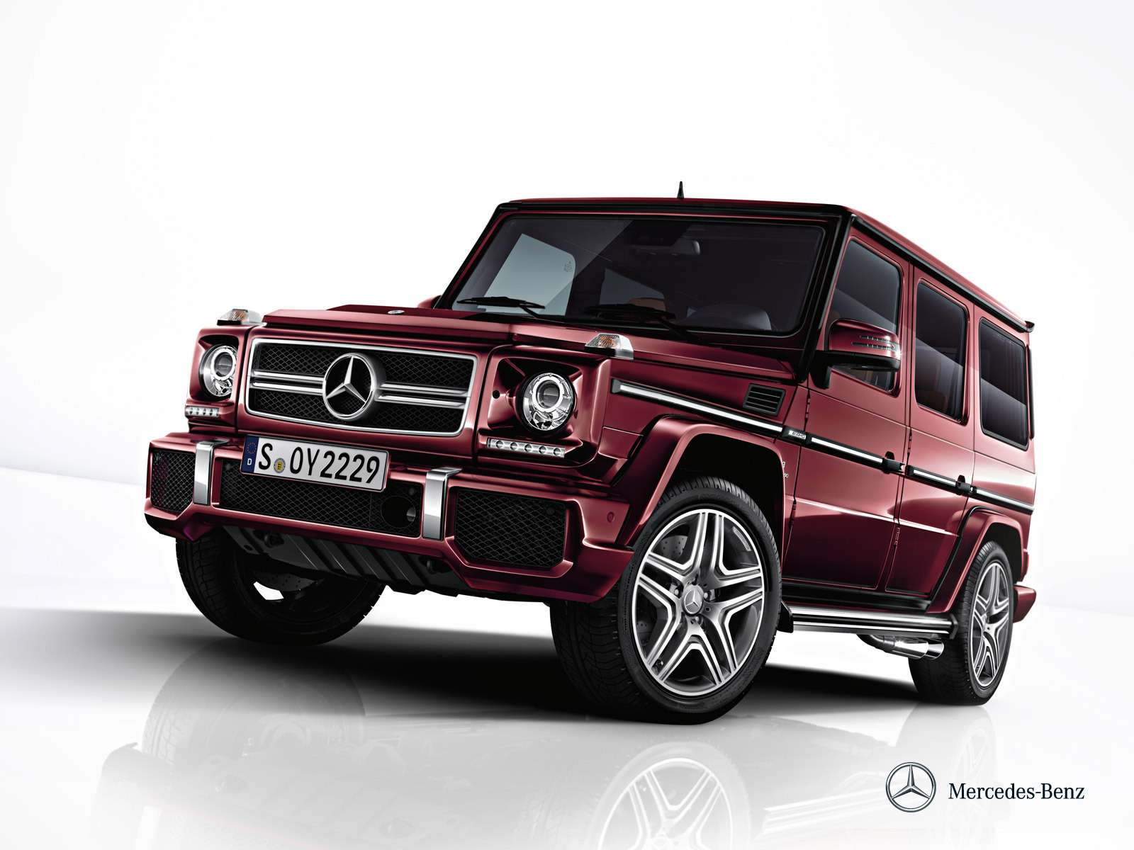 Mercedes-Benz начал продажи внедорожников G-класса вярких цветах— фото 371234