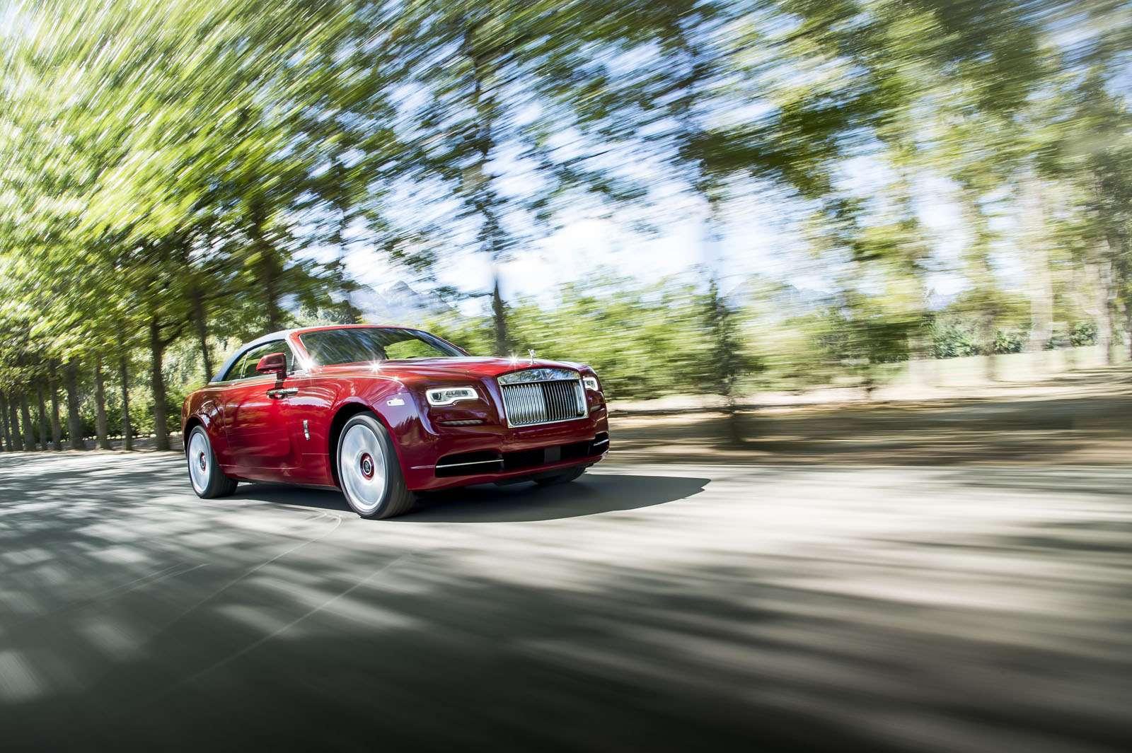 Надороги России выезжает Rolls-Royce Dawn— фото 580840