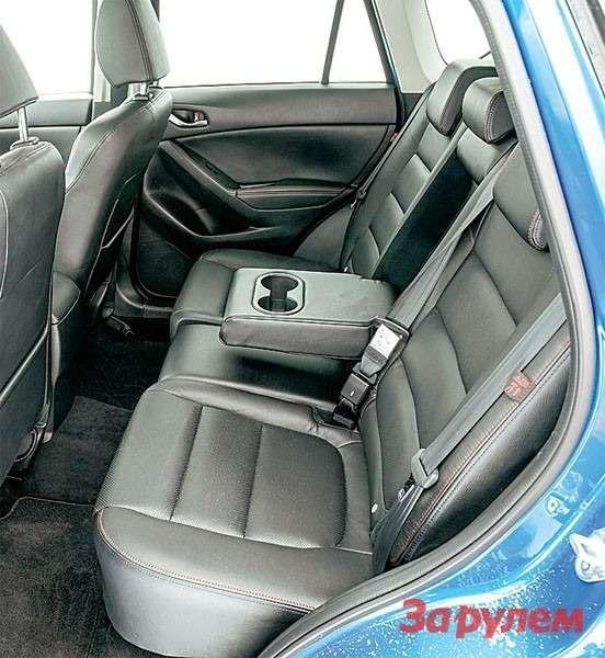 Mazda: задний диван вСХ‑5 понравился удачно выбранными размерами иформой.