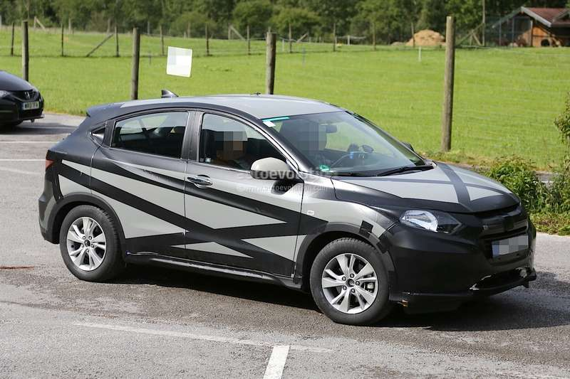 2015-honda-hr-v-spied-inside-out-photo-gallery-1080p-3