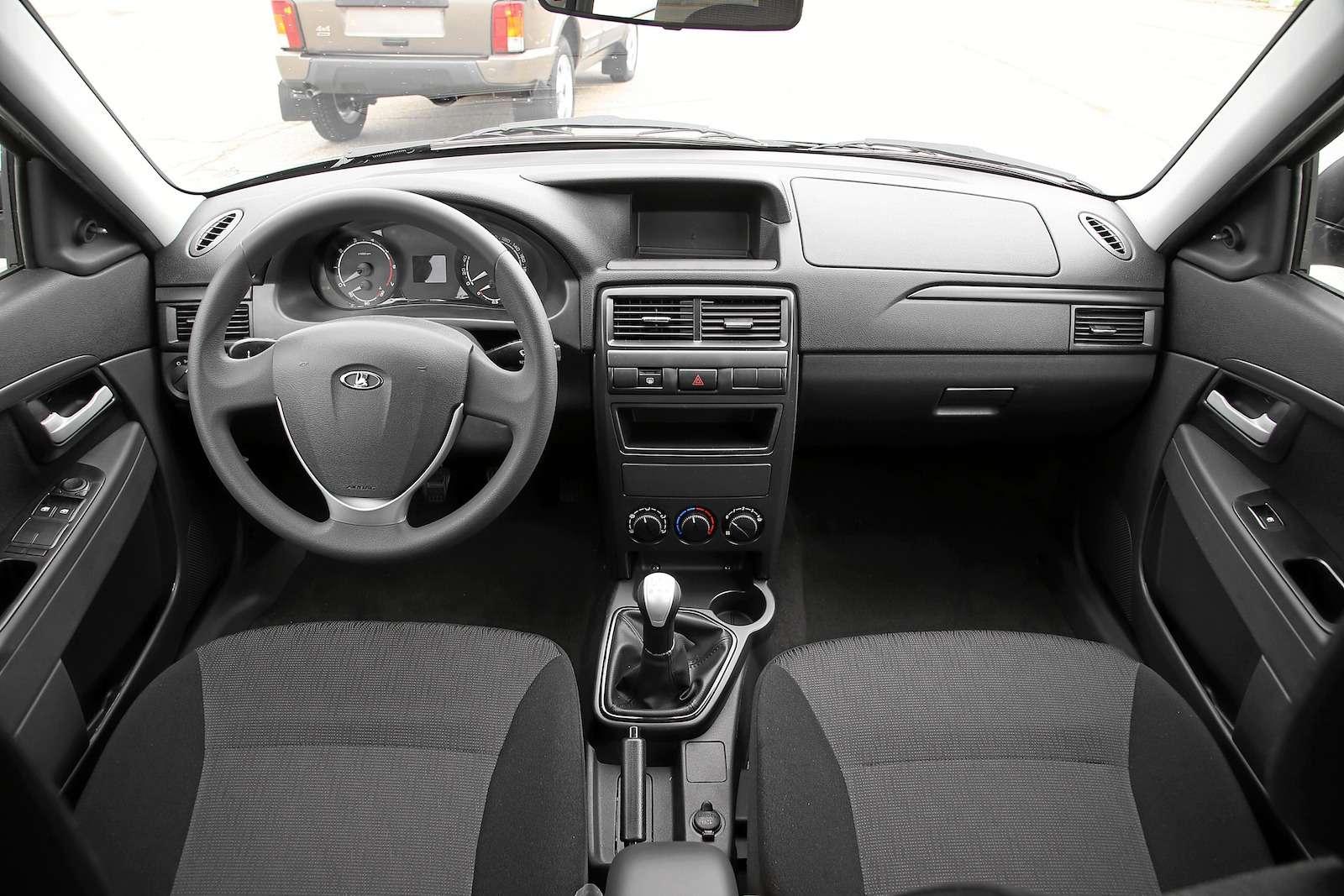 Лада Приора Стандарт: что потерял седан сдоступным ценником— фото 593395