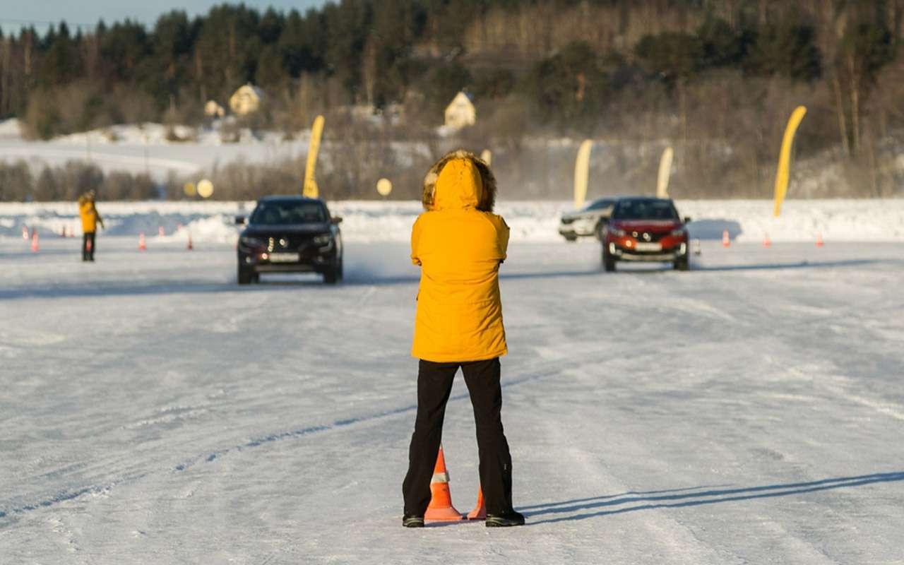Карельский дрифт: кроссоверы Renault нальду Ладожского озера— фото 856384