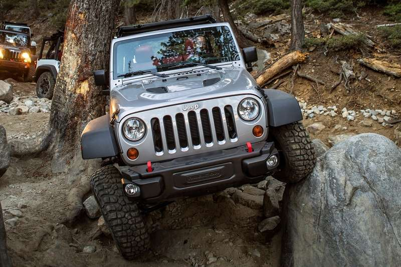 Jeep-Wrangler_Rubicon_10th_Anniversary_2013_1600x1200_wallpaper_11