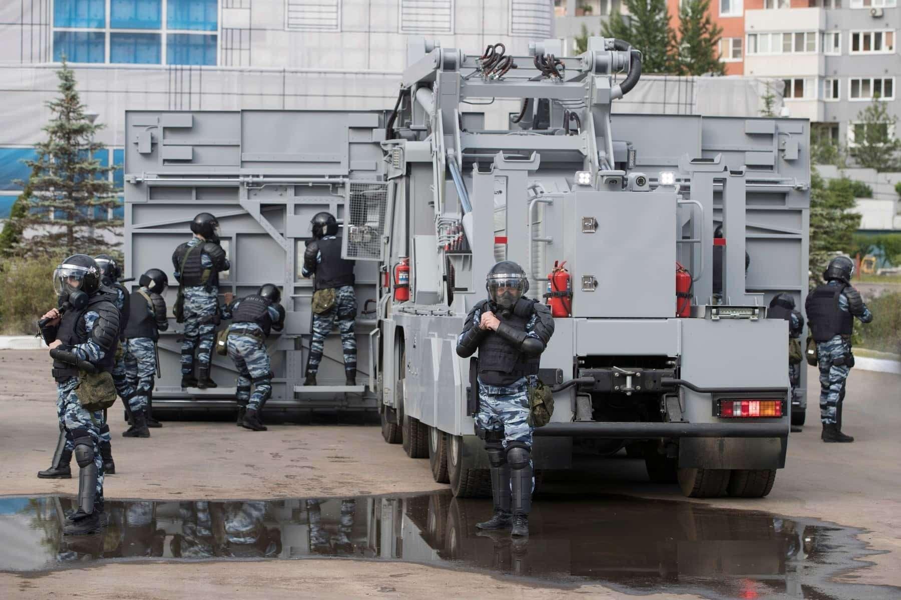 Комплекс «Стена»: Росгвардия получит новую технику дляразгона митингов— фото 906552