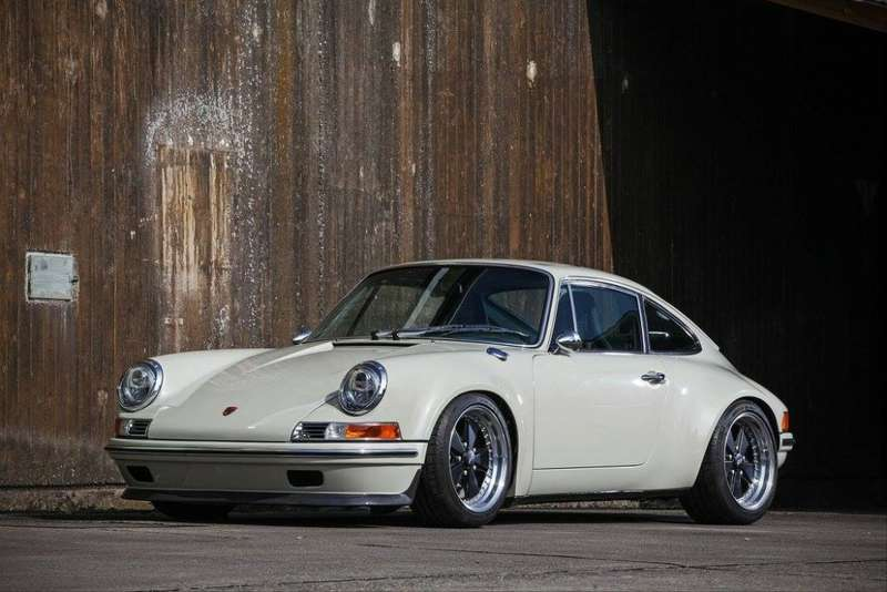KAEGE-delivers-retro-flavored-1972-Porsche-911-packing-300-hp-1-1024x683