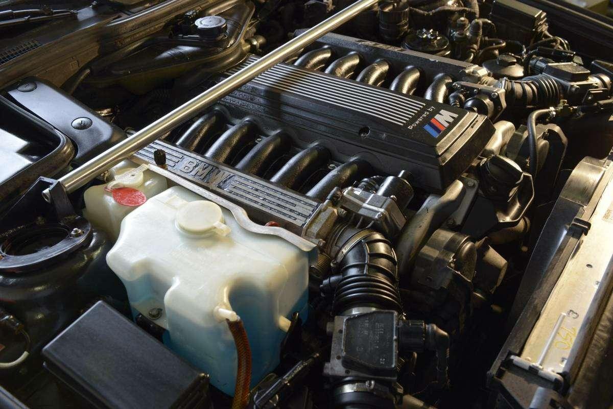 Демон ссекретом: что таит всебе классический BMW M5— фото 605072