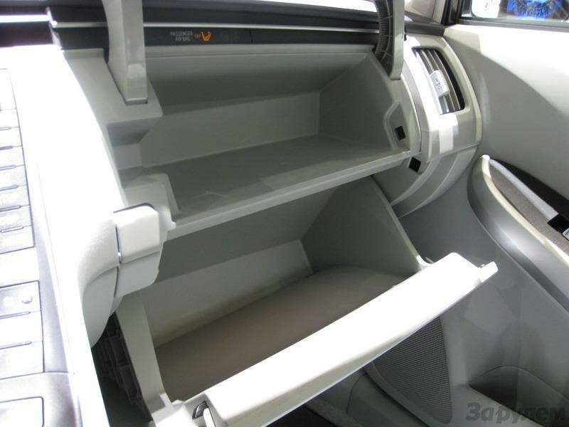 Toyota Prius III: Наголодном пайке— фото 92534