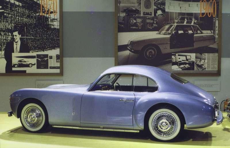 Проект, принесший Пининфарине мировое признание— Cisitalia 202 Berlinetta 1947 года. Это был автомобиль встиле «New Look».