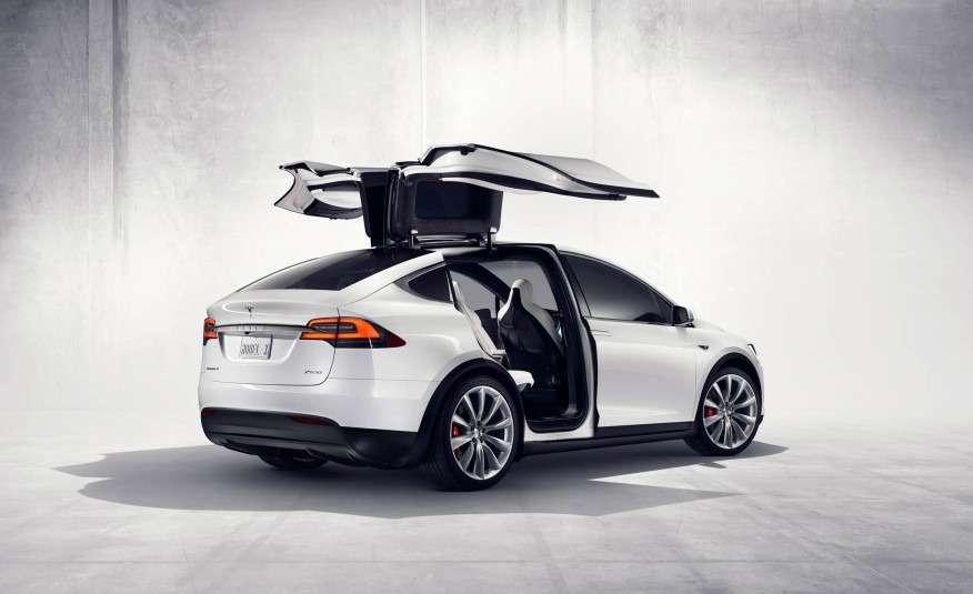 2016-Tesla-Model-X-133-876x535