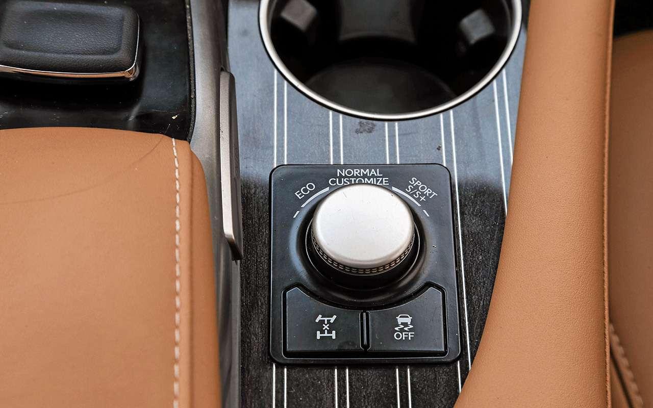 Новый VWTouareg, Land Rover Discovery иLexus RX350: большой тест-драйв— фото 899451