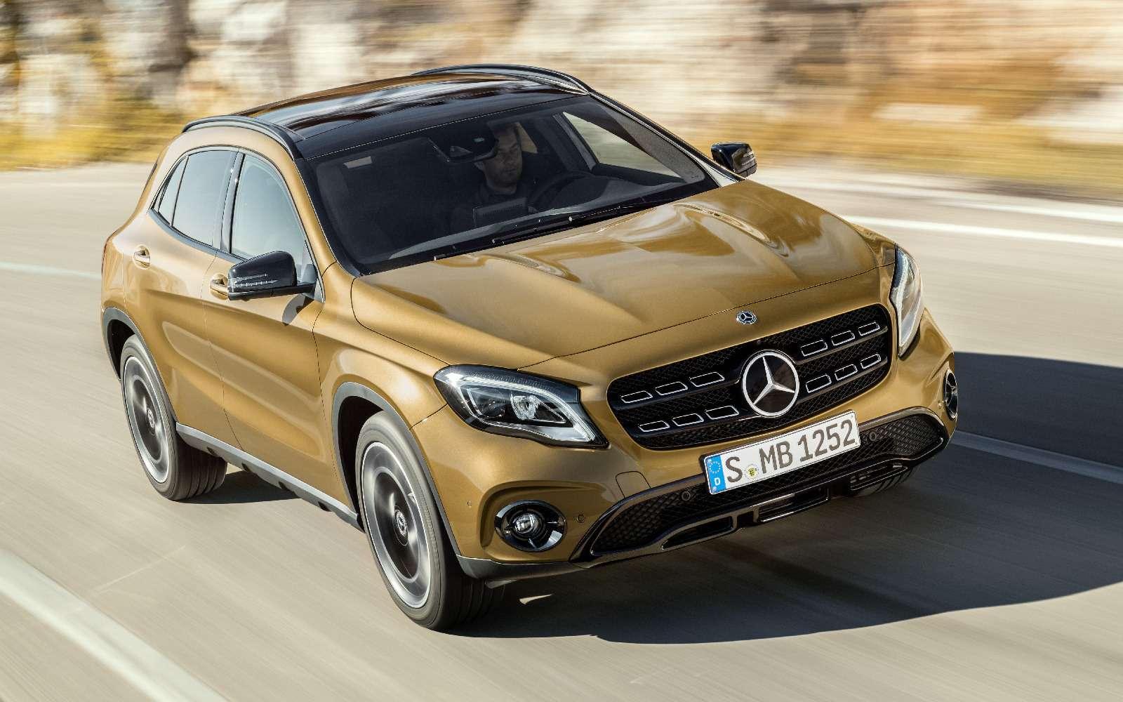 Mercedes-Benz GLA стал краше, нонепросторнее— фото 690069