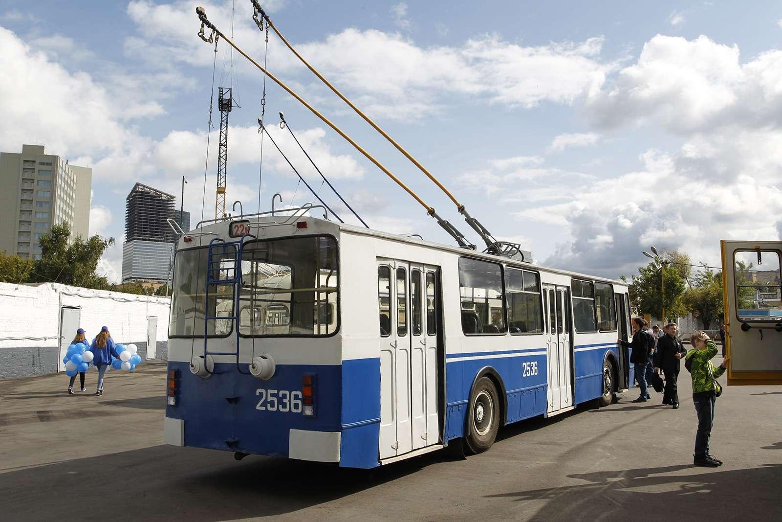 Автобусы нашего детства— выставка пассажирского транспорта— фото 792637