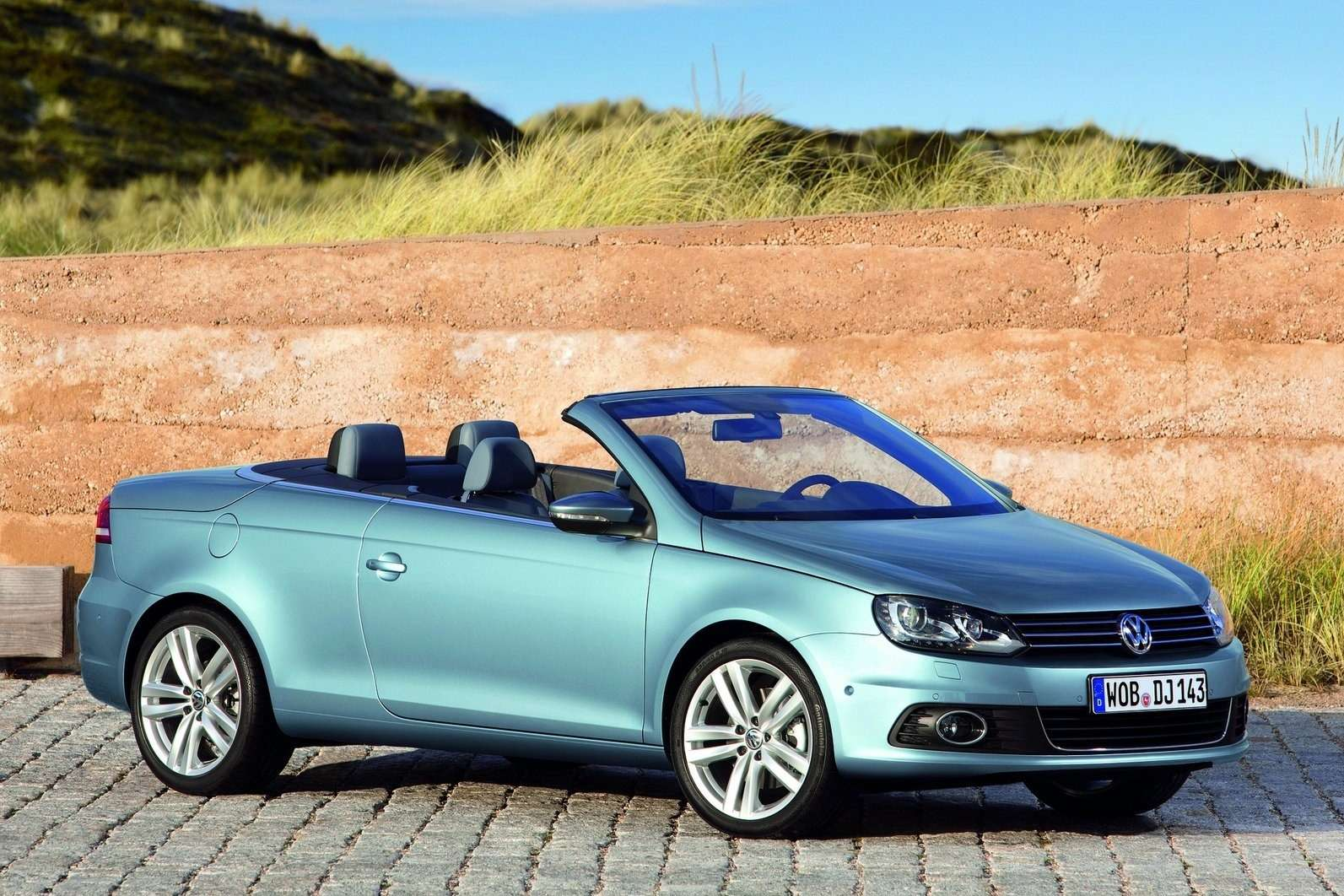 Volkswagen-Eos_2011_1600x1200_wallpaper_04
