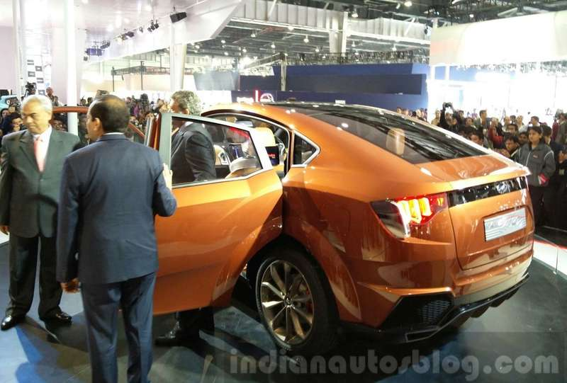Mahindra-XUV-Aero-rear-three-quarter-at-the-Auto-Expo-2016