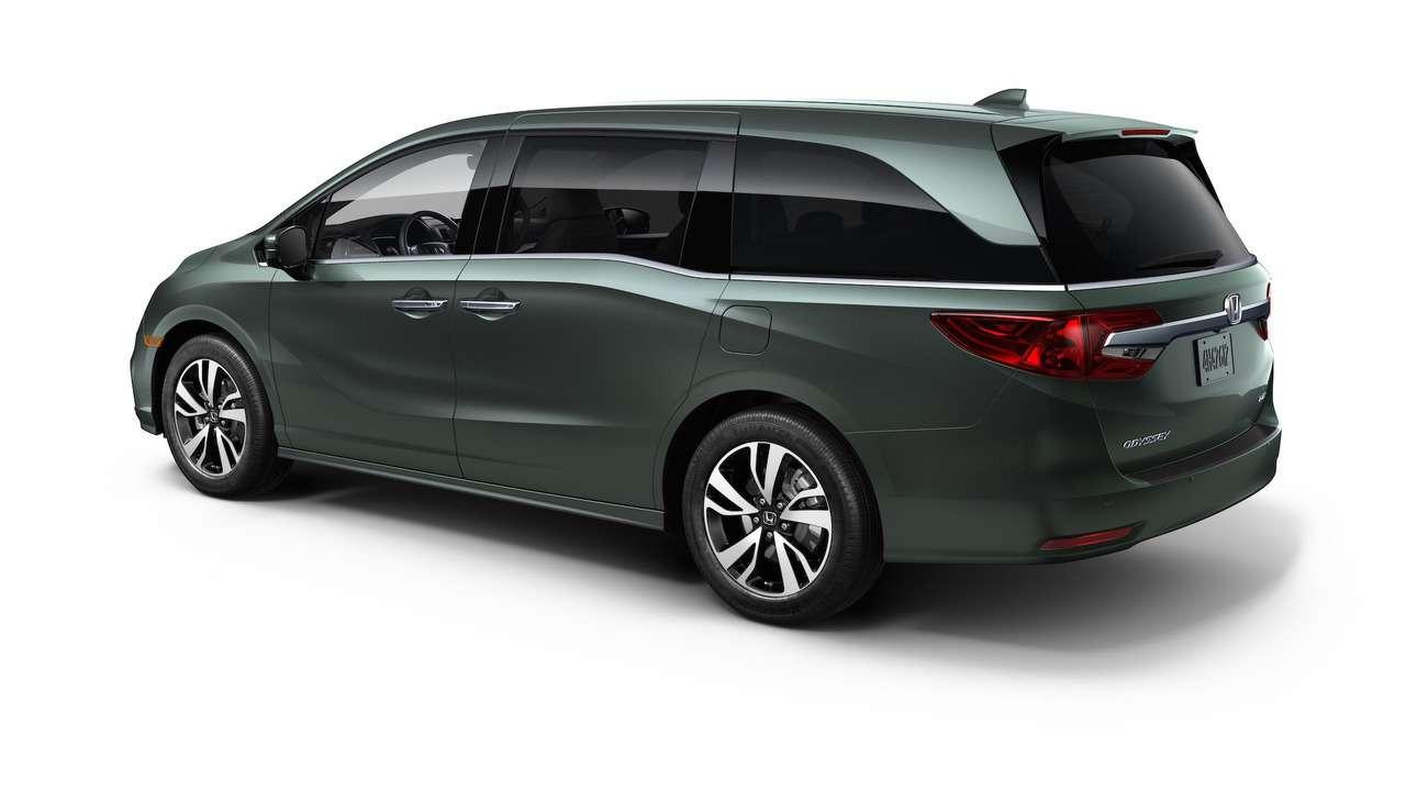 Домохозяйки аплодируют: Honda представила новый минивэн Odyssey— фото 690580