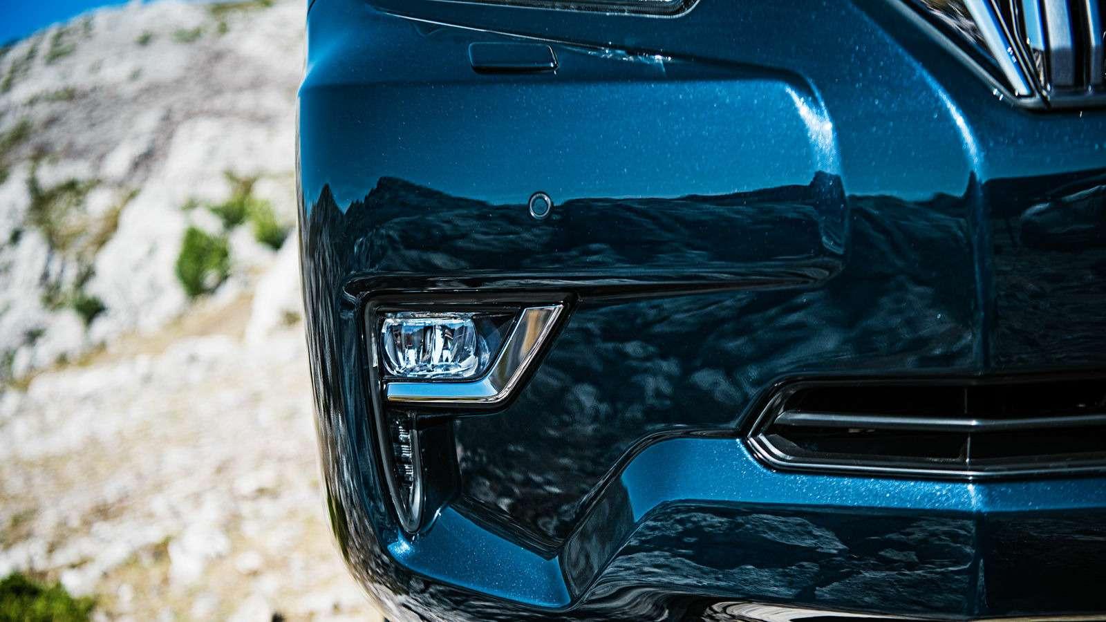 Обновленный Toyota Land Cruiser Prado подорожал: цены икомплектации— фото 806253