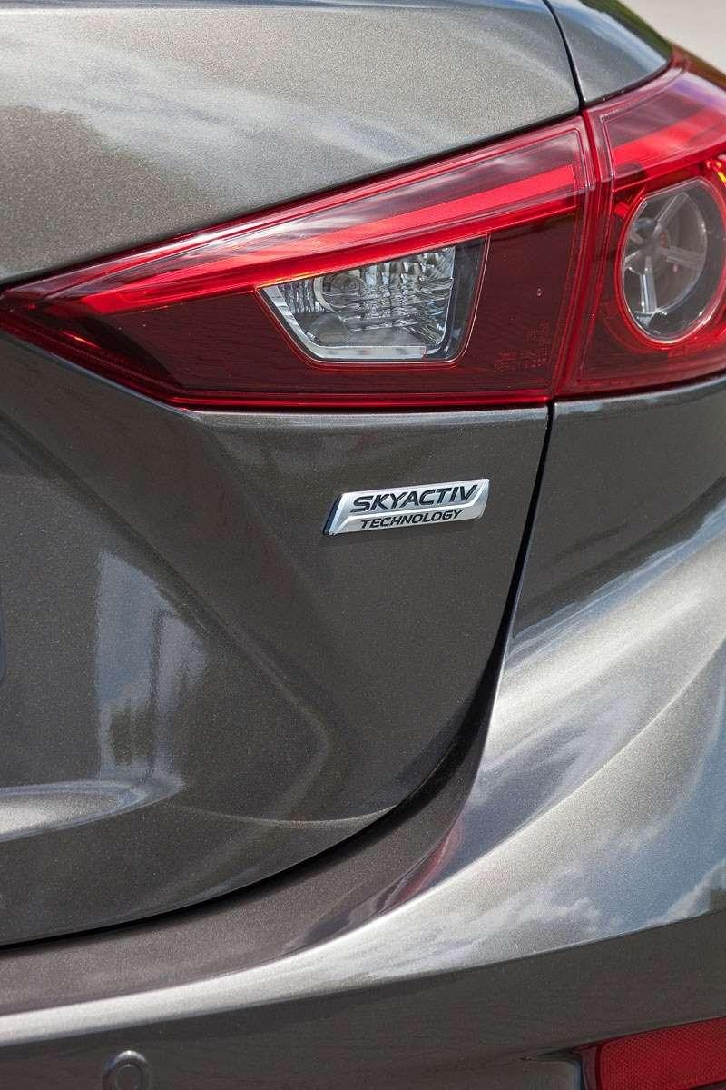 2014 Mazda3 Sedan 6[2] nocopyright (32)