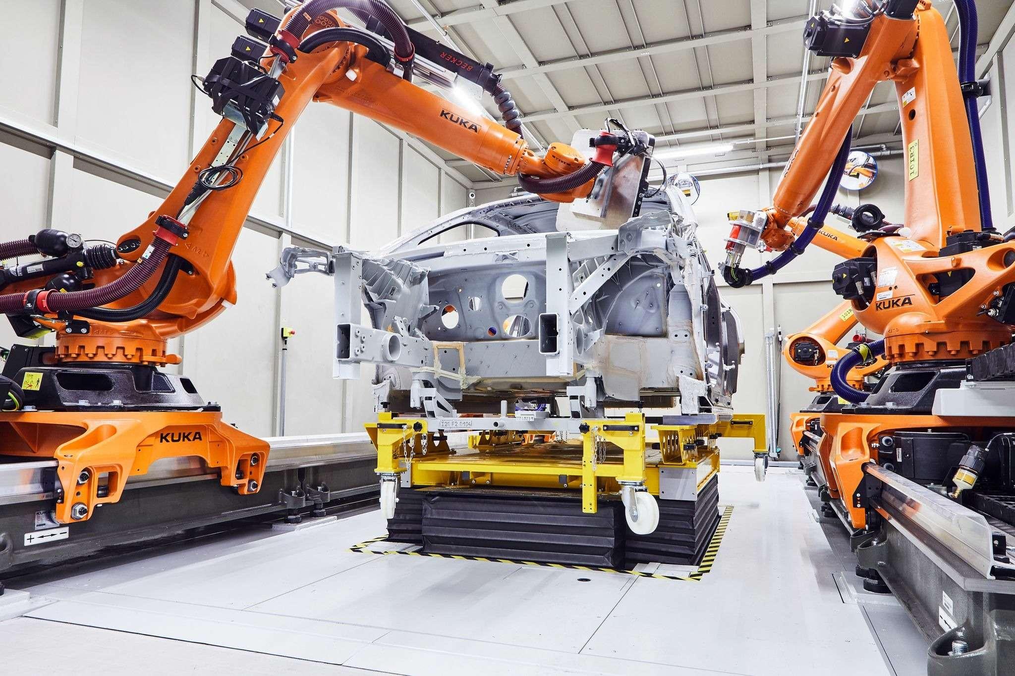 Электрический внедорожник BMW iNEXT встал наконвейер— фото 993284