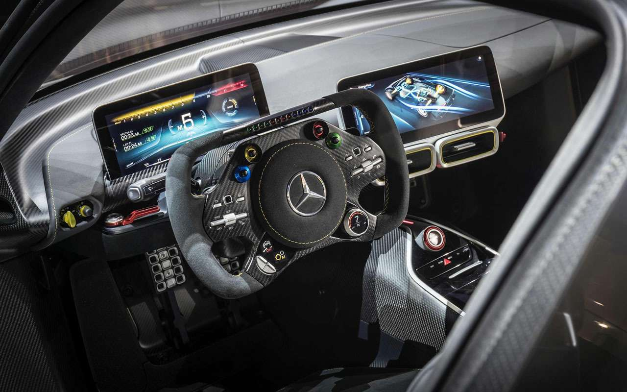 Симулятор Mercedes-AMG— геймерам инеснилось— фото 1208957