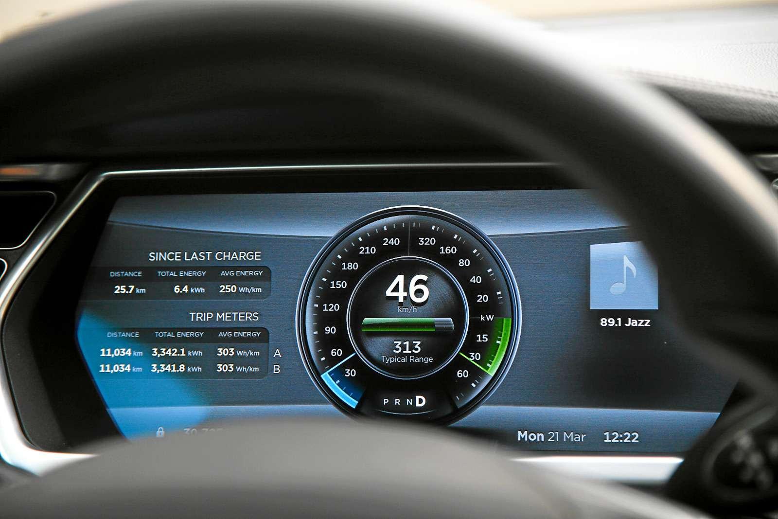 Такси-тест Tesla Model SP85: деньги изрозетки— фото 598039