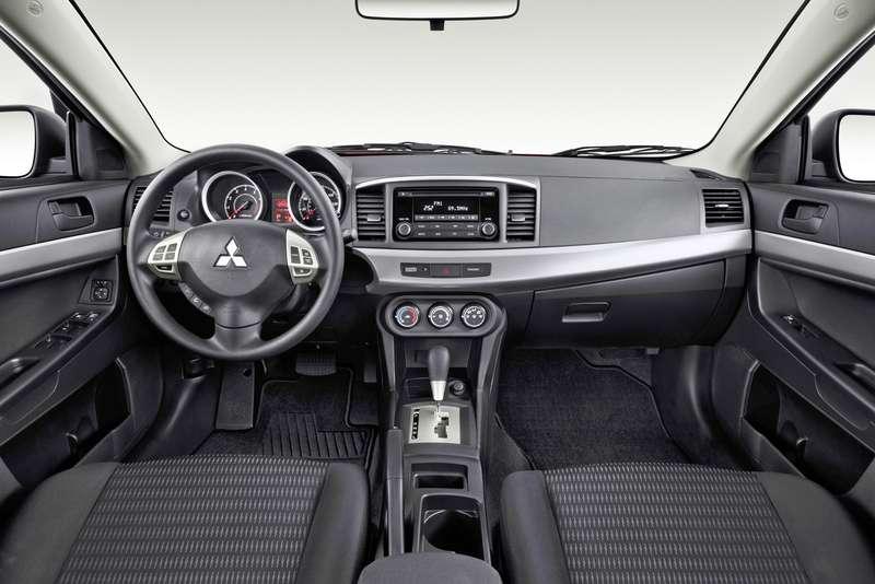 Mitsubishi Lancer X: плюсы иминусы поколения Икс