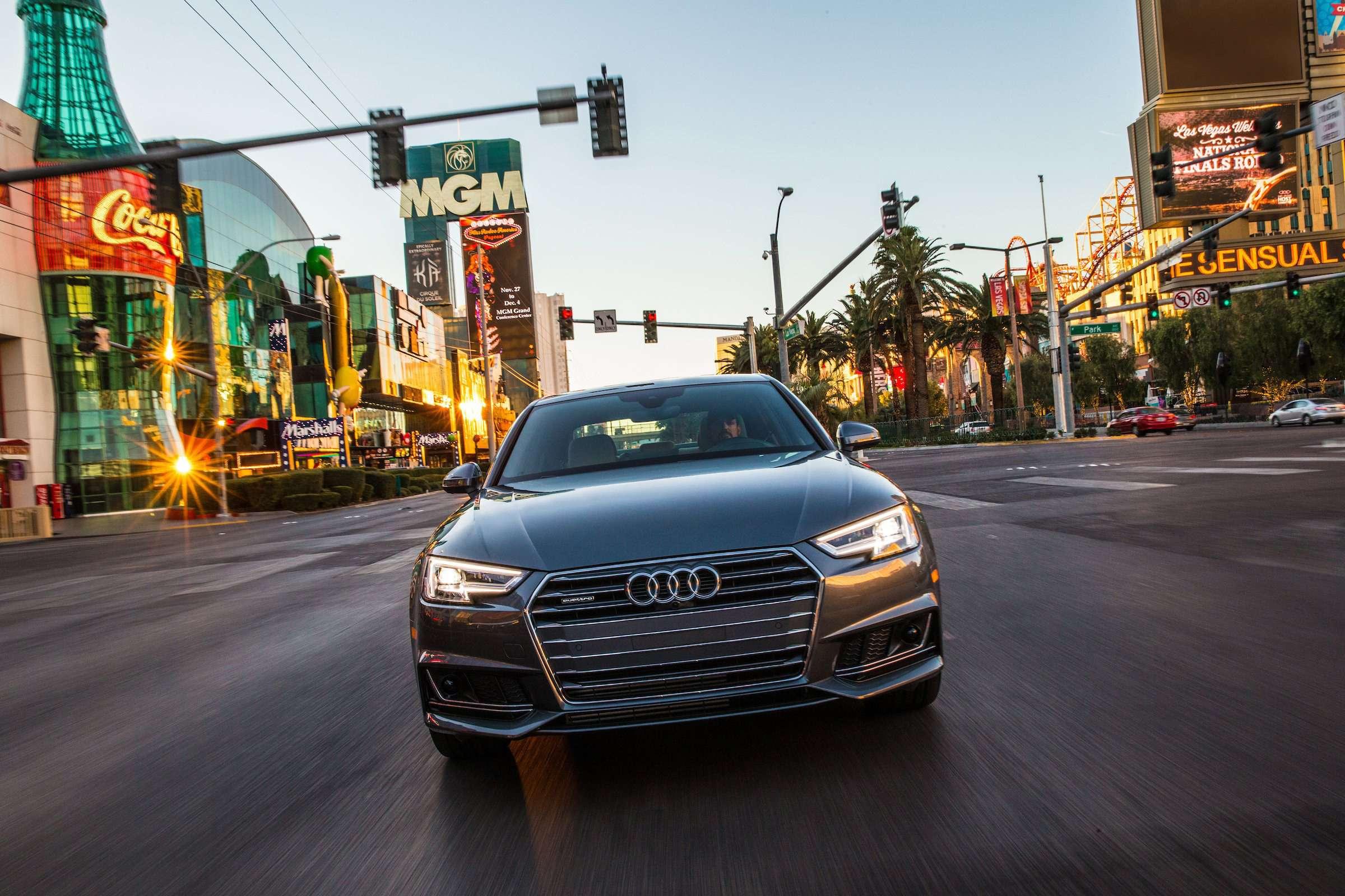 Audi знает осветофорах всё— фото 676064