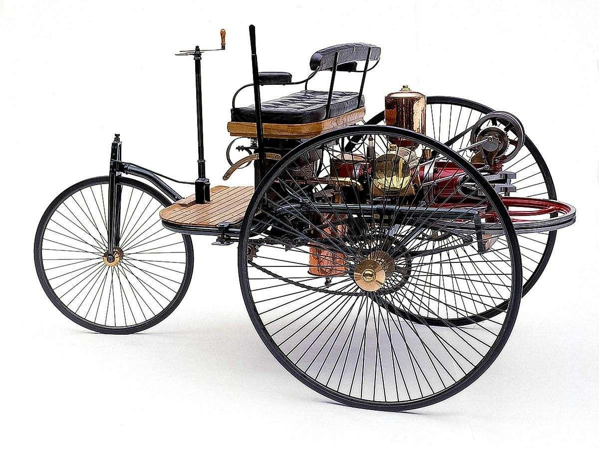 Те, кому за100: самые старые производители автомобилей— фото 589226