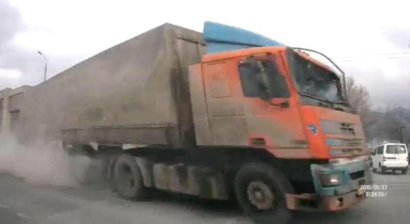 Фура протаранила 15автомобилей вНовороссийске