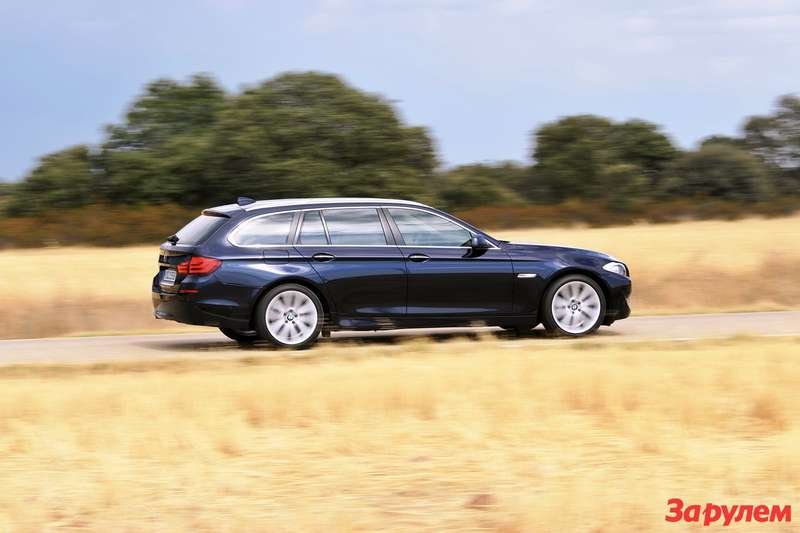 2011-BMW-5-Series-Tourin3