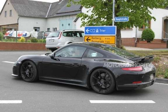 Porsche 911GT3 side-rear view