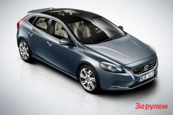 Volvo V40 side-front view