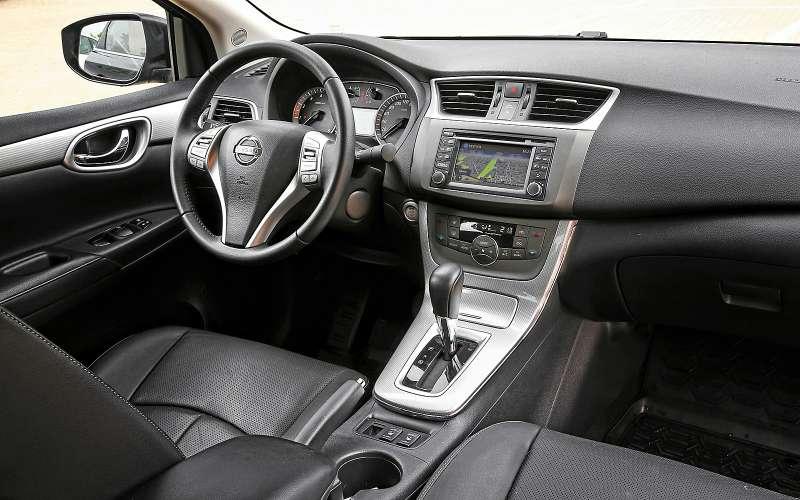 Интерьер Nissan Sentra