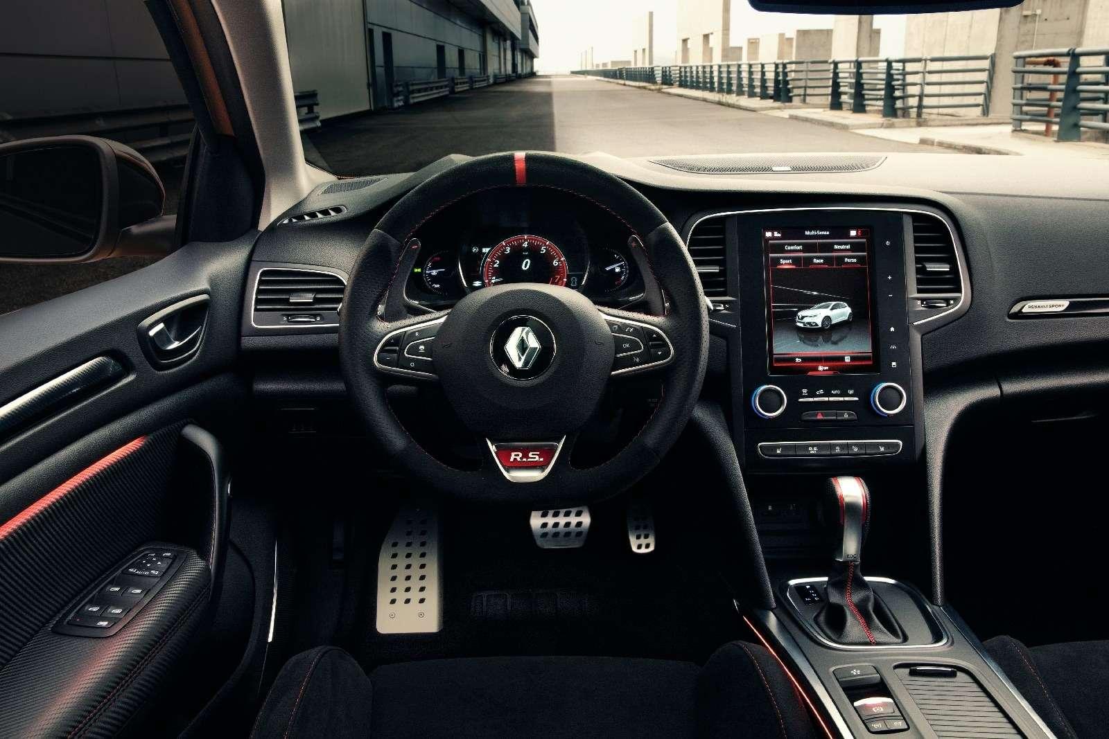 Renault Megane RS: хот-хэтч cдвигателем отспорткара— фото 793712
