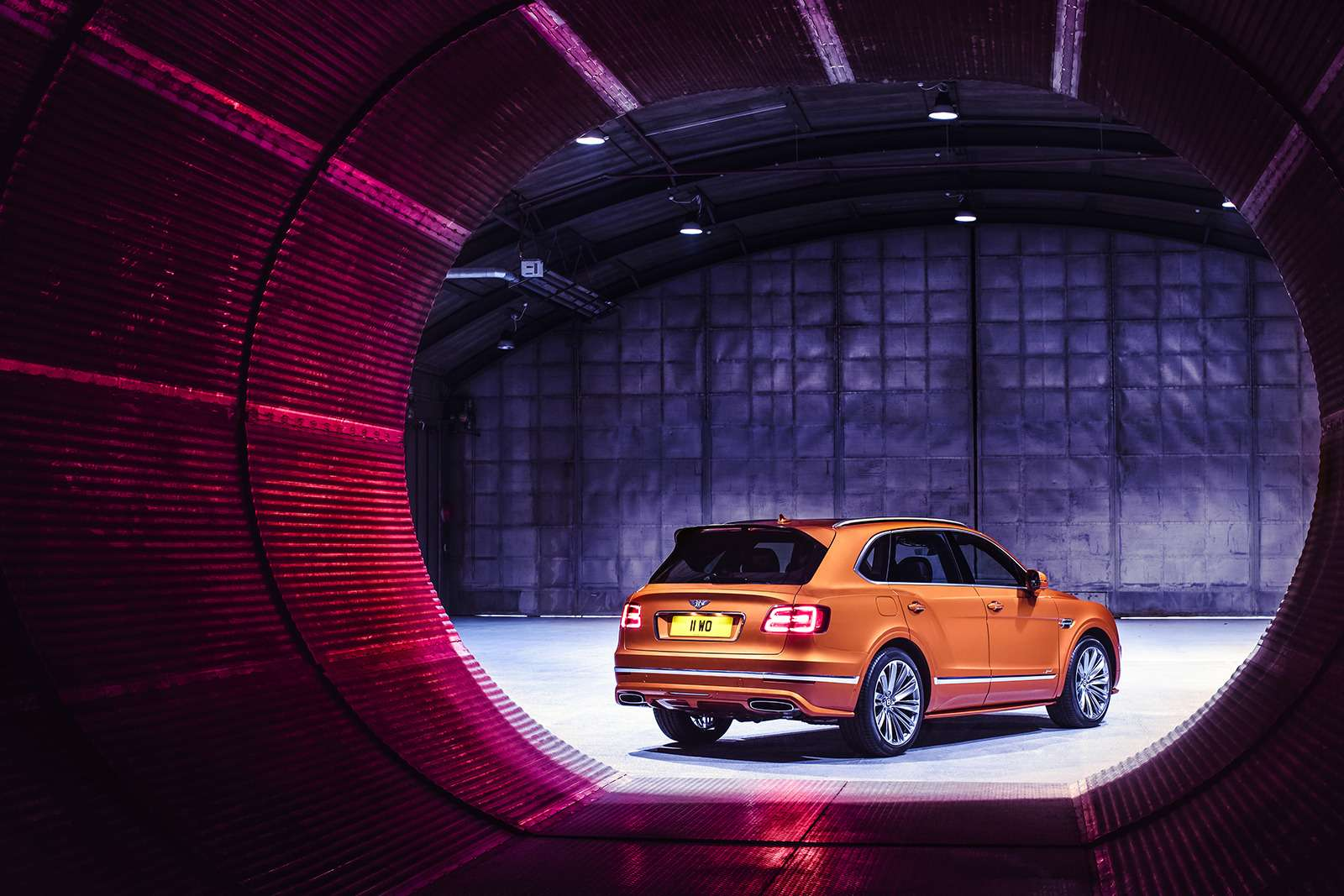 Самый быстрый внедорожник— теперь это Bentley— фото 949160