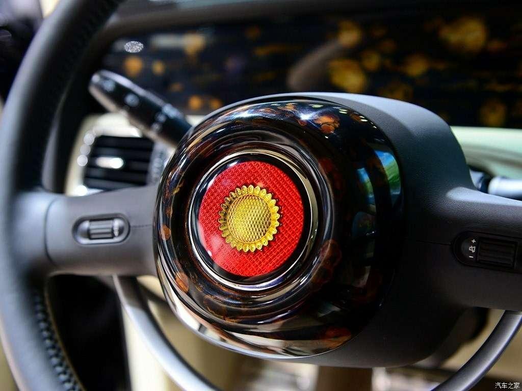 Дороже S-класса: самый крутой китайский седан поступил впродажу— фото 825595