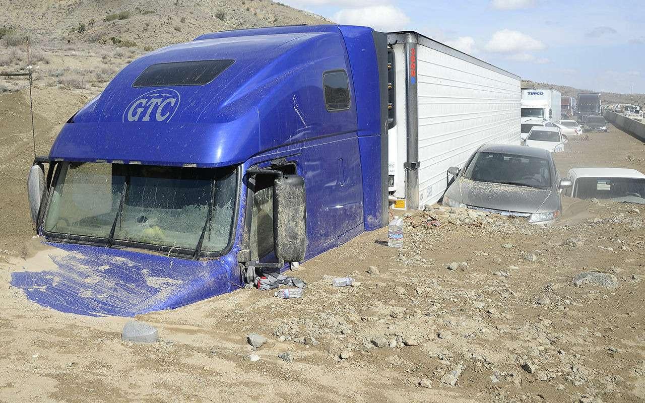 Автомобиль в«тотал»: стихия способна навсе!— фото 829936