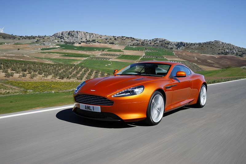 Aston-Martin-Virage_02