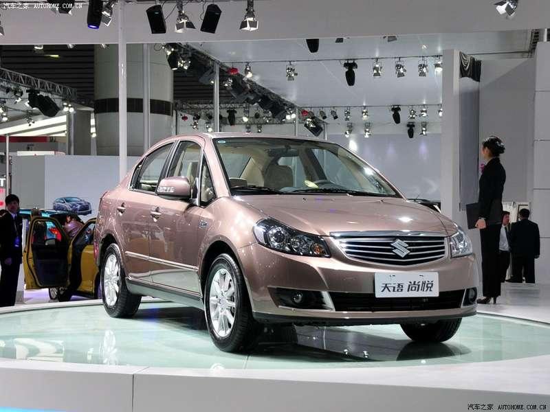 2011-Suzuki-SX4-sedan-facelift_3