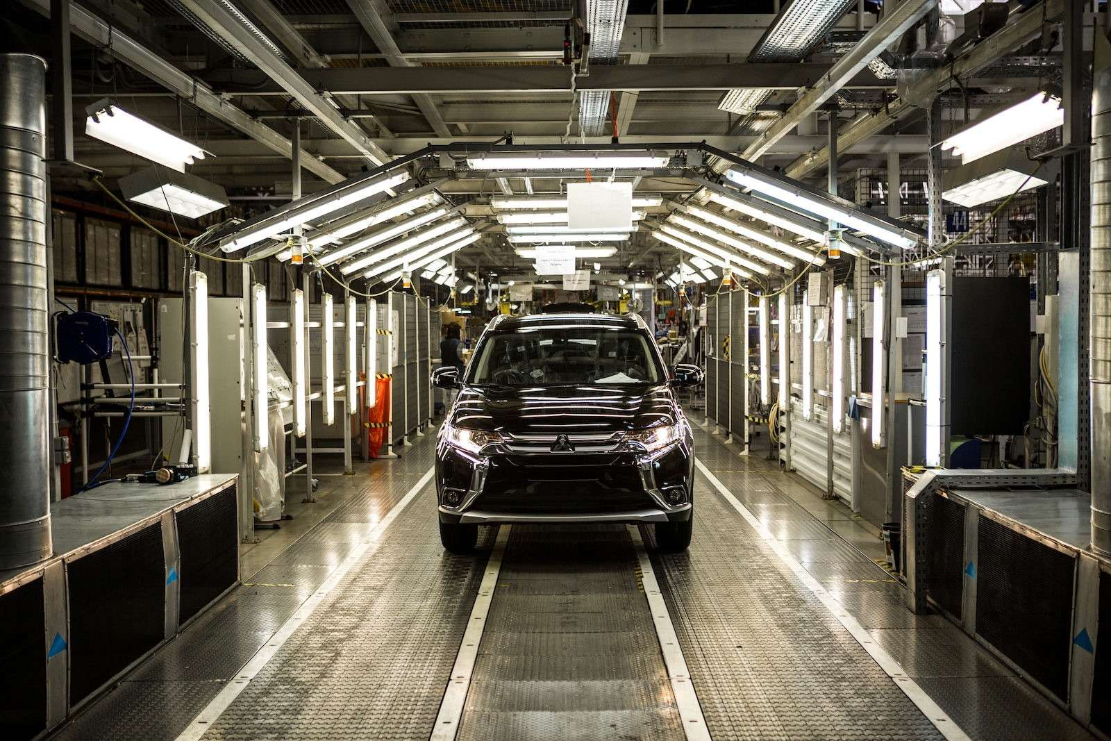 Льготное подорожание: Минпромторг перепишет ценники наавтомобили— фото 655519