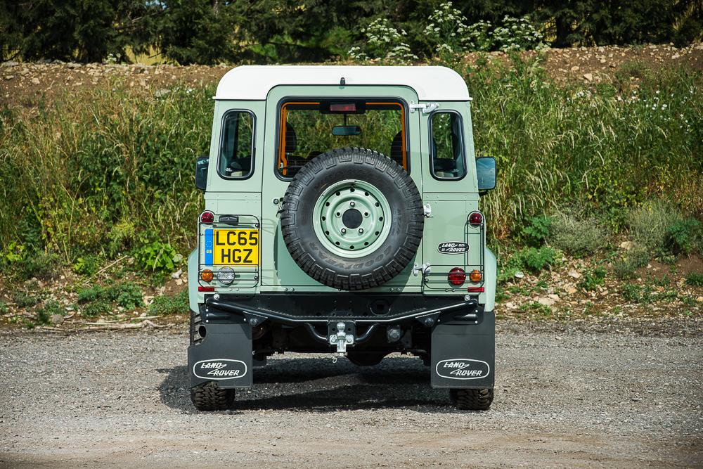 Мистер Бин выставил нааукцион свой Land Rover Defender— фото 768451