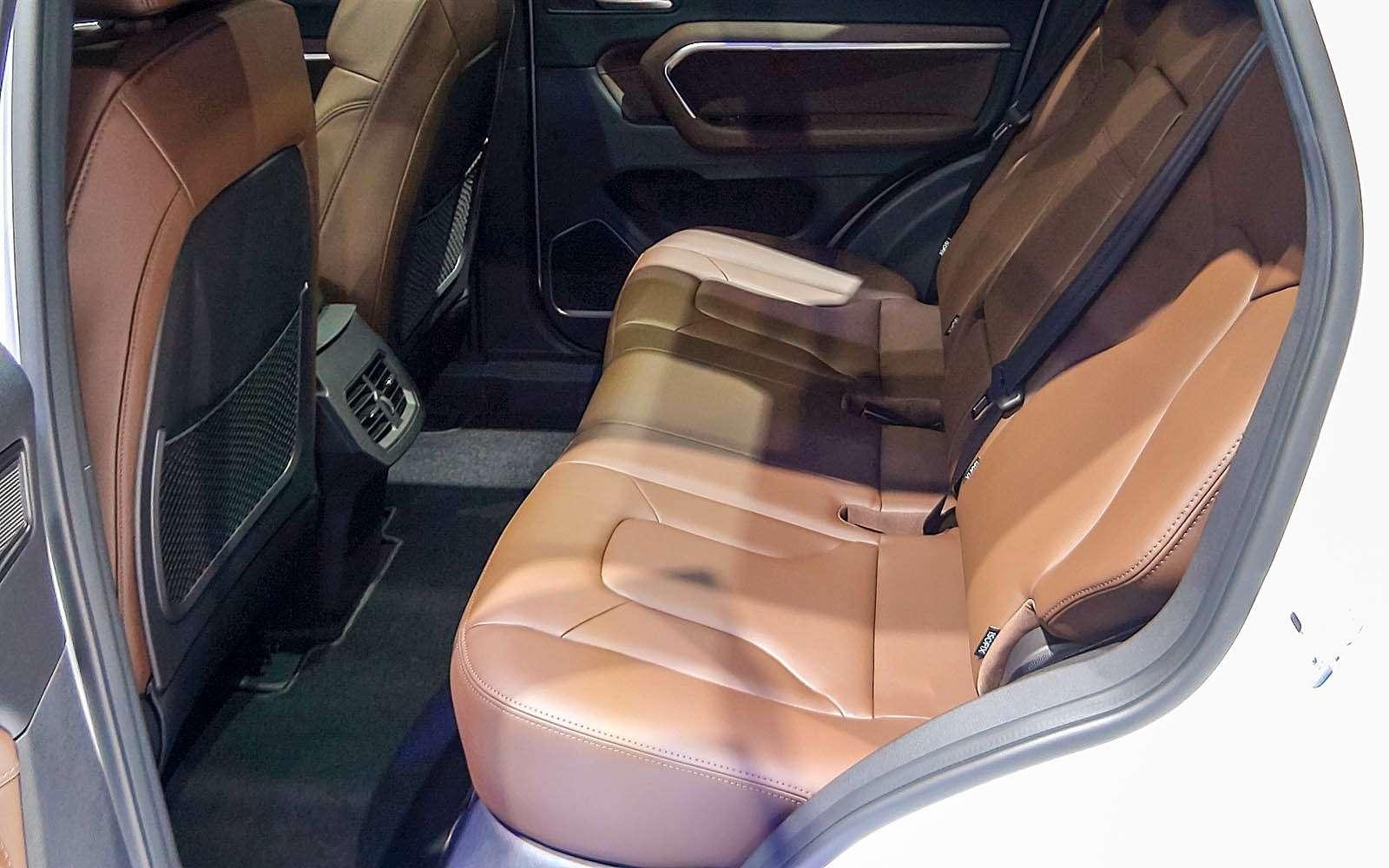 Новый Tiggo 5, будущая Camry идругие: онлайн-трансляция сШанхайского автосалона— фото 739517