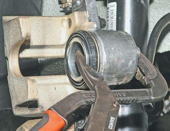 Как заменить передний тормозной цилиндр - Kabina-Servis.Ru