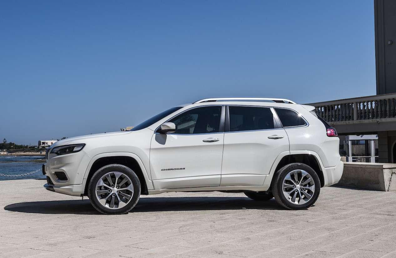 Jeep Cherokee 2019: первый тест-драйв— фото 909996